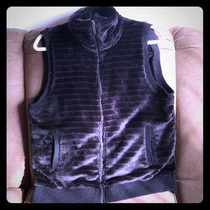 Cable & Gauge Black faux fur vest